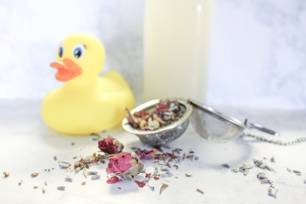 Soothe a crying baby or teething baby naturally with herbal baths. Herbal baths soothe a crying baby and can help heal baby eczema or dry skin naturally.