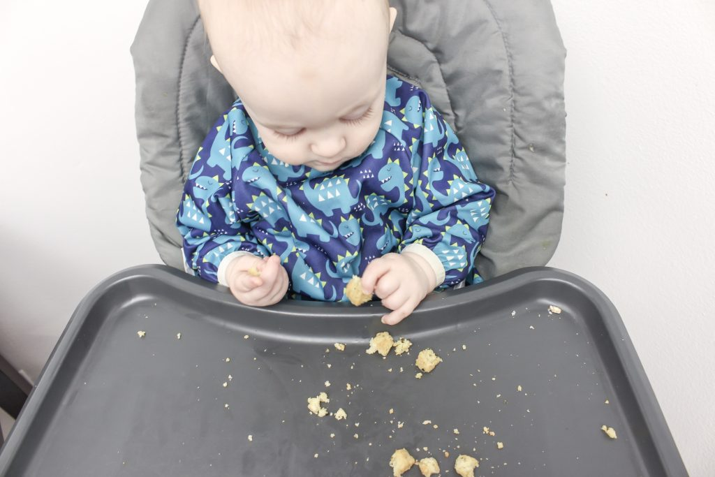 A complete list of the things that were a waste of money in baby's first year. Check out this post for ideas about what to put on your registry. A practical list of what you need during baby's first year. Baby registry for first baby. PikaBabyb Bibs.