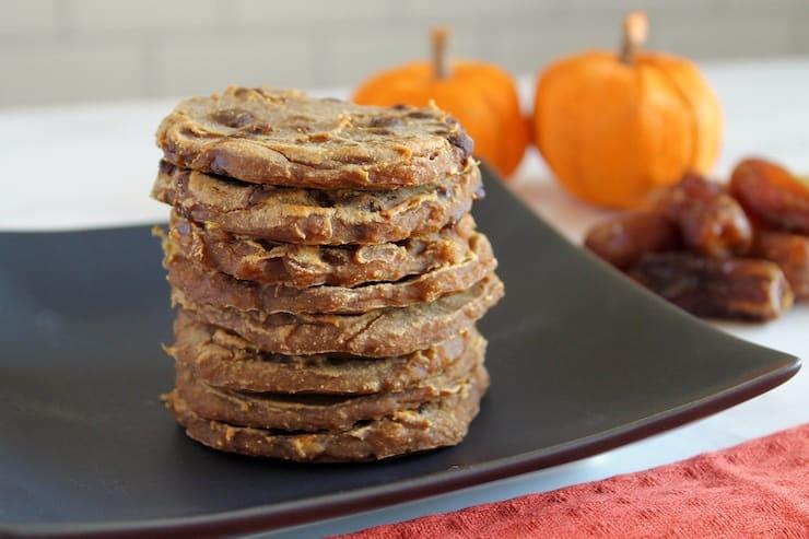 Healthy pumpkin spice recipes for fall! A roundup of my favorite pumpkin recipes that won't give you any guilt! Guilt free pumpkin recipes! Dairy - Free Pumpkin Cookies