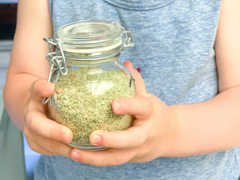 Homemade garlic herb seasoning salt recipe. Simple recipe for making your own garlic herb seasoning salt. Things to do with garden herbs.