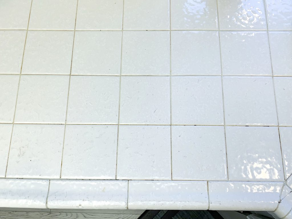 How to whiten tile and grout without chemicals. This method is an effective method to whiten kitchen tile and grout, without bleach.