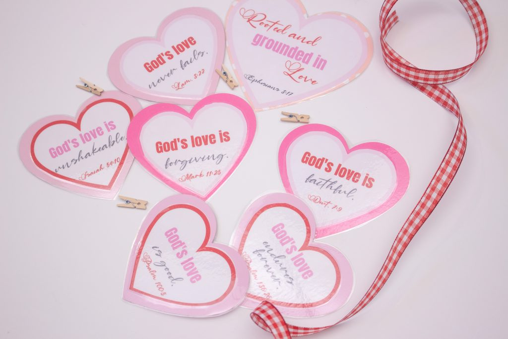 Bible verse Valentine's Day crafts for kids. Bible verse countdown for Valentine's Day. Christian Valentine's Day activities. Free Valentine's Day printables.