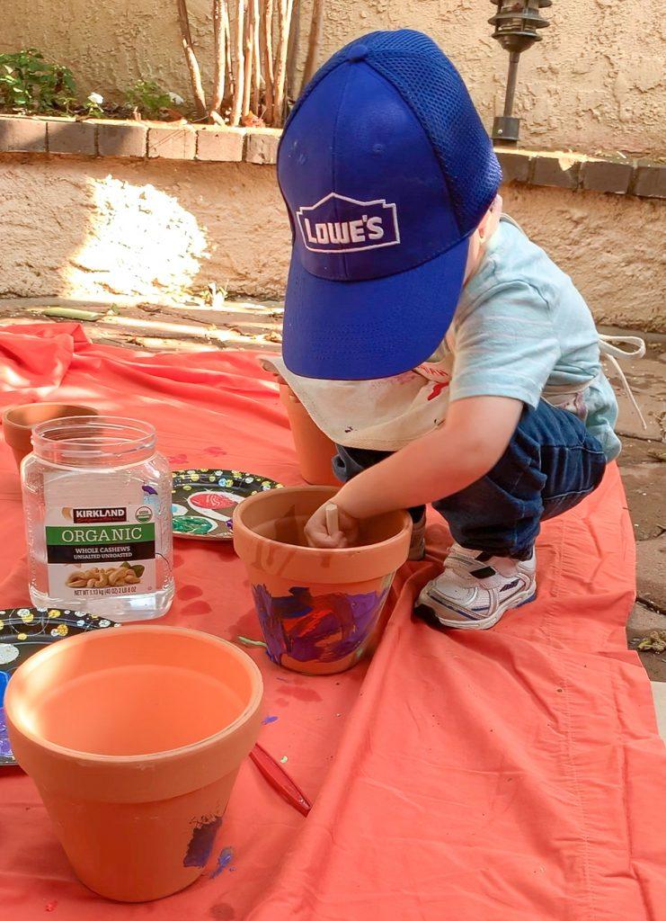 Spring activities for preschoolers! Find simple, easy spring activities to do with preschoolers and spring activities for kids! Spring painting activities for kids.